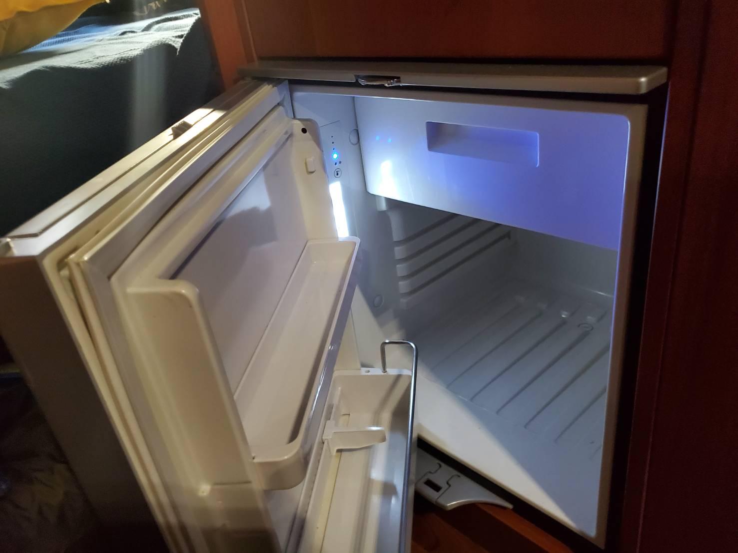 キャンピングカー冷蔵庫